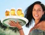 Bild Frau mit Bier